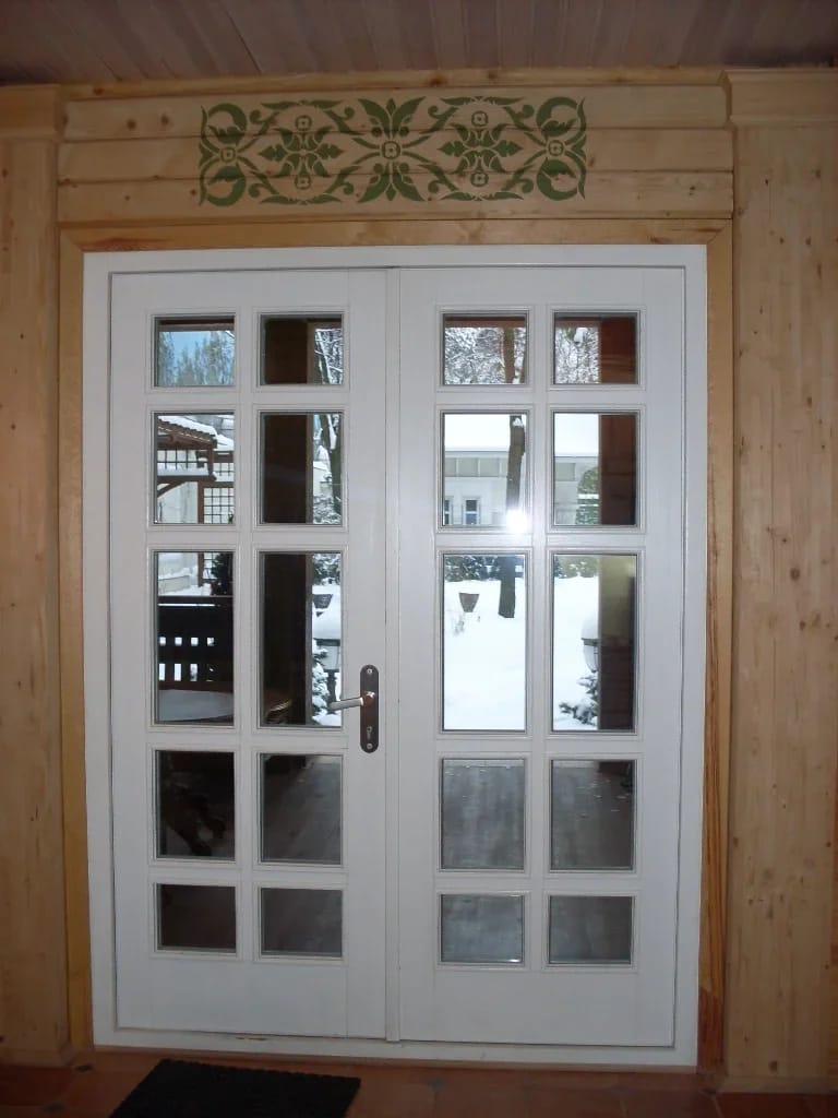 двери с фацетом из массива
